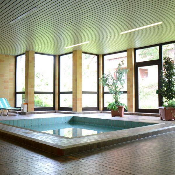 Mit Hallenbad Und Sauna Für Kühlere Tage