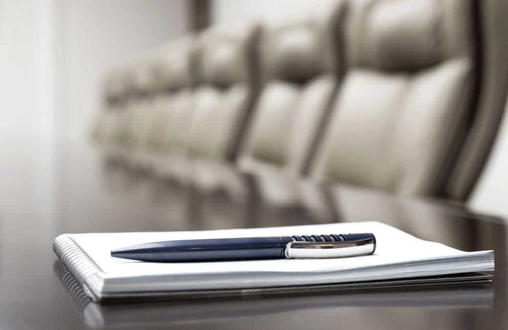 Stift und Blog im Seminarraum